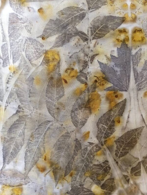 Long sleeved hand dyed cotton t-shirt with botanical print. Leaves and flowers imprinted on fabric. Ecoprint and natural dyeing. Size L